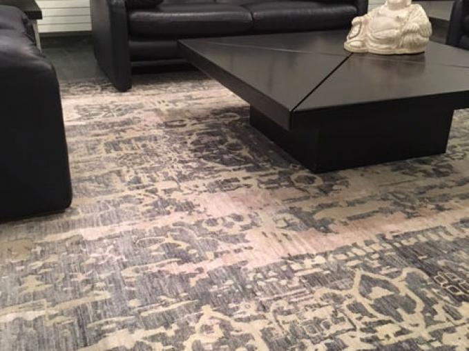 Handgeknoopt tapijt uit India