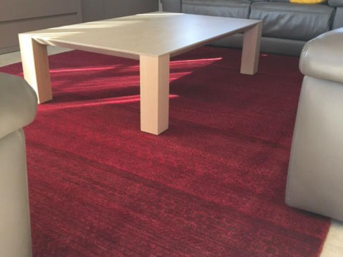 groot rood tapijt uit Pakistan