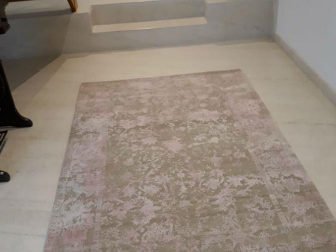 handgeknoopt tapijt in beige en roze in wol en zijde