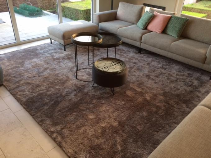 zacht tapijt in grijze tinten