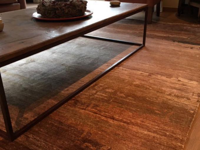 handgeknoopt vloerkleed in bruine tinten en bamboe zijde